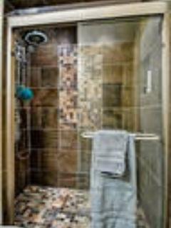 MASTER SHOWER WITH SAUNA FEATURES