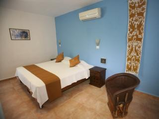 Aries y Libra - Big room with Kingsize Bed, Mérida