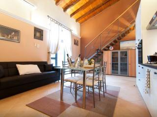 Pindaro House