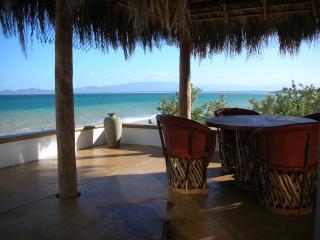 Stunning Beachfront Villa - Casa Blanca, La Ventana