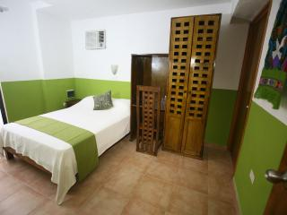 Aries y Libra - Charming room with double bed