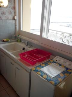 cuisine évier et machine à laver