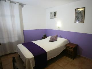 Aries y Libra - Charming room with double bed, Mérida