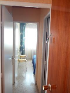entrée accès chambre et salle de bains