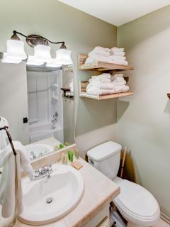 Sherwin Villas #14 - Full bathroom with shower/tub