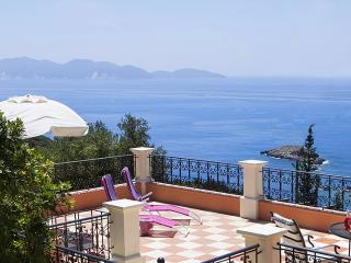 Relaxing hideaway with lovely beach & sea views, Fiscardo