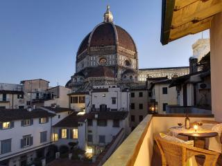 Terazza sul Duomo apartment in Duomo with WiFi, air conditioning, balcony & lift