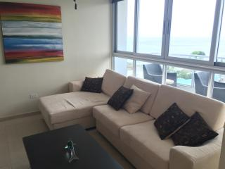 COMFORTABLE BEACH APARTMENT IN CORONADO BAY, Playa Coronado