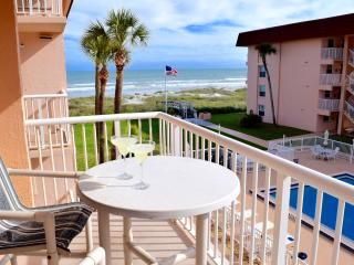 "** Spacious 3 Bedroom on Beach! 4 x 50"" LCD TV's *, Cocoa Beach"