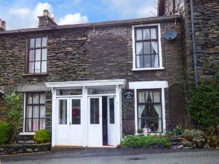 Bluebell Brook, Victorian, terraced cottage, en-suite, woodburner, WiFi, in Windermere, Ref 903673