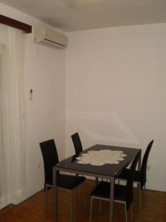 A1(4): dining room