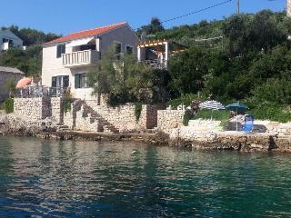 Nikola A1(4) - Cove Donja Krusica (Donje selo), Solta Island