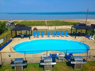 BAYFRONT BEACH RESORT-WATERFRONT-HEATED POOL