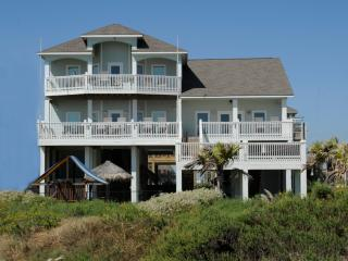 Just Breathe * No Booking Fee! *Beachfront, Crystal Beach