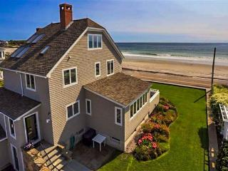 Stunning oceanfront home w/au pair suite close to KBIA!, Kennebunk