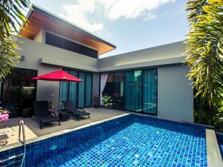3 BdR Baan Bua Villas near Naiharn Beach, Nai Harn