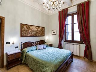 Duomo luxury Apartment, Elevator+WiFi (N. 2), Florenz