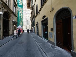 Duomo luxury Apartment, Elevator+WiFi (N. 2)