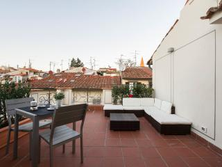 ATTIC UP ON FLORENCE-NEW, WITH A BEAUTIFUL TERRACE, Florence