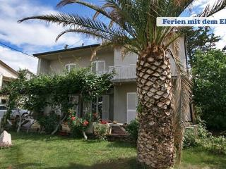 Domi 3 nice 3 rooms for 8 people, Novalja