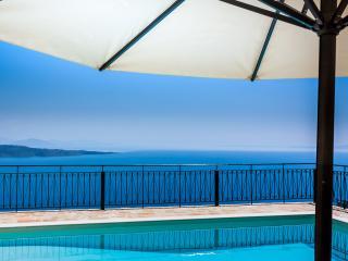 Private Family Villa with Pool above Kalami Corfu