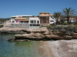 Splendid Sant Elm 5 terraced house with Sea views