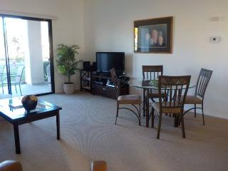 3CMAR - THREE BEDROOM CONDO ON NORTH NATOMA