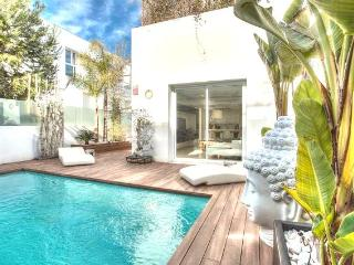 luxury 3 bedroom with private pool, Ibiza Town