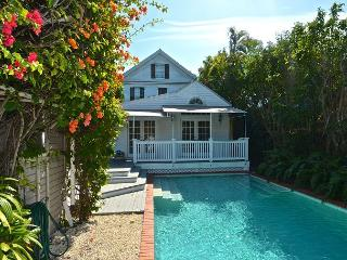 Tsalta (New!) - Exquisite 3/3 Old Town Monthly Rental. Private Pool, Key West