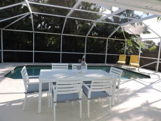 SPRING into NAPLES-$1600 a week REMODELED w/ POOL, Nápoles