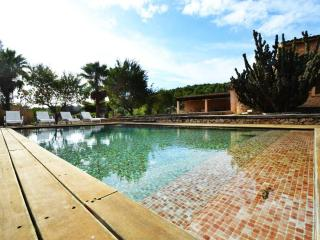 Amazing well designed and modern Villa Santa Maria, Santa Maria del Cami
