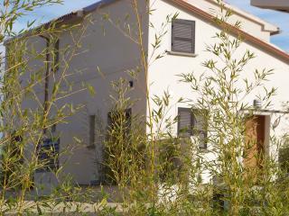 Villa de luxe mitoyenne T2 clim, piscine, wifi, Santa Lucia di Moriani