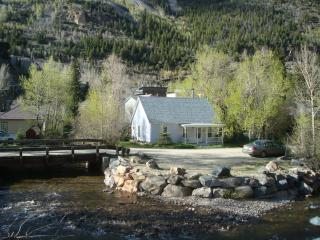 Little Cottage on Clear Creek in historic town, Silver Plume