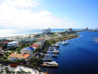 $119/nt in Feb! South Harbour huge balcony, great views of Little Sabine, Pensacola Beach