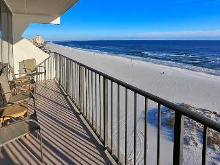 Waterfront Beauty in Gulf Shores – Sleeps 10