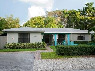 Audrey Place Home in a Wilton Manors Triplex – Sleeps 2