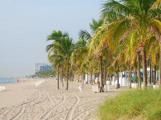 Intimate Condo in Beachfront Floranada Complex – Steps from the Beach!
