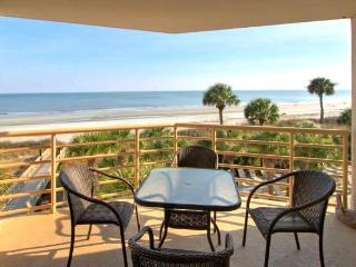 Spacious Oceanfront 3 BR at Villamare in Palmetto, Hilton Head