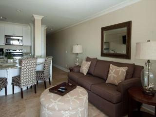 Ocean Dunes Villas 113 - 1 Bedroom 1 Bathroom Oceanfront Flat, Hilton Head