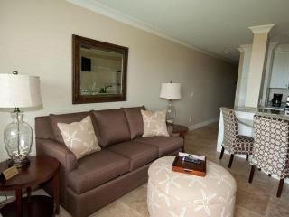 Ocean Dunes Villas 211 - 1 Bedroom 1 Bathroom Oceanfront Flat, Hilton Head