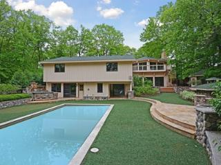 S&J#46 Live Large! 7BR 5ba Pool-Spa-Meeting Space!, Minneapolis