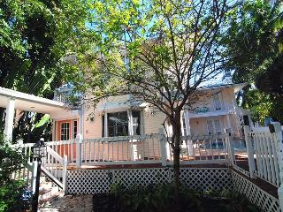 Direct bay front home with pool, dock, main & guest homes, Captiva Island