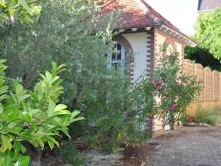 Charmante maison avec jacuzzi située à 200 m de la mer et commerces à proximité