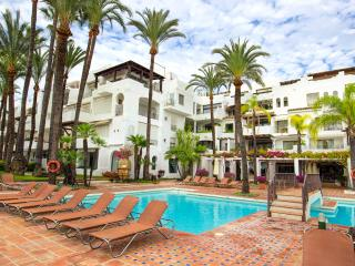 La Alcazaba Holiday Apartment Rental  Free Wi Fi, Nueva Andalucia