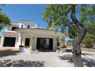 Casa Jean - beautiful villa with stunning views, Sao Bras de Alportel