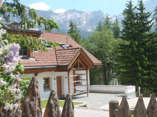 Dolomites Chalet Casa Zilli. Stunning Mountainviews with Sun Terrace & BBQ