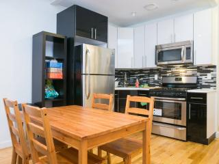4 Bed Charming Large Apt nr Subway