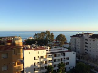 Lovely 1 bed apartment 3 minutes from the beach, Benalmadena