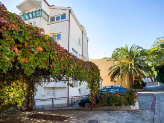 Apartment No5 A2+2 Ground floor 100m from sea WIFI