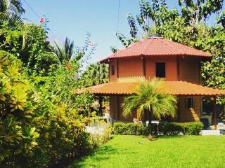 Casa Cielo, Pavones